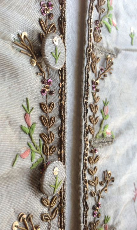 antique-embroidery-gold-purl