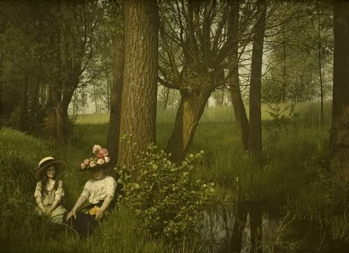 12 Beautiful Autochrome Moments