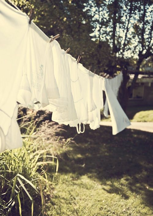 Vintage Sunday Inspiration | Clothesline