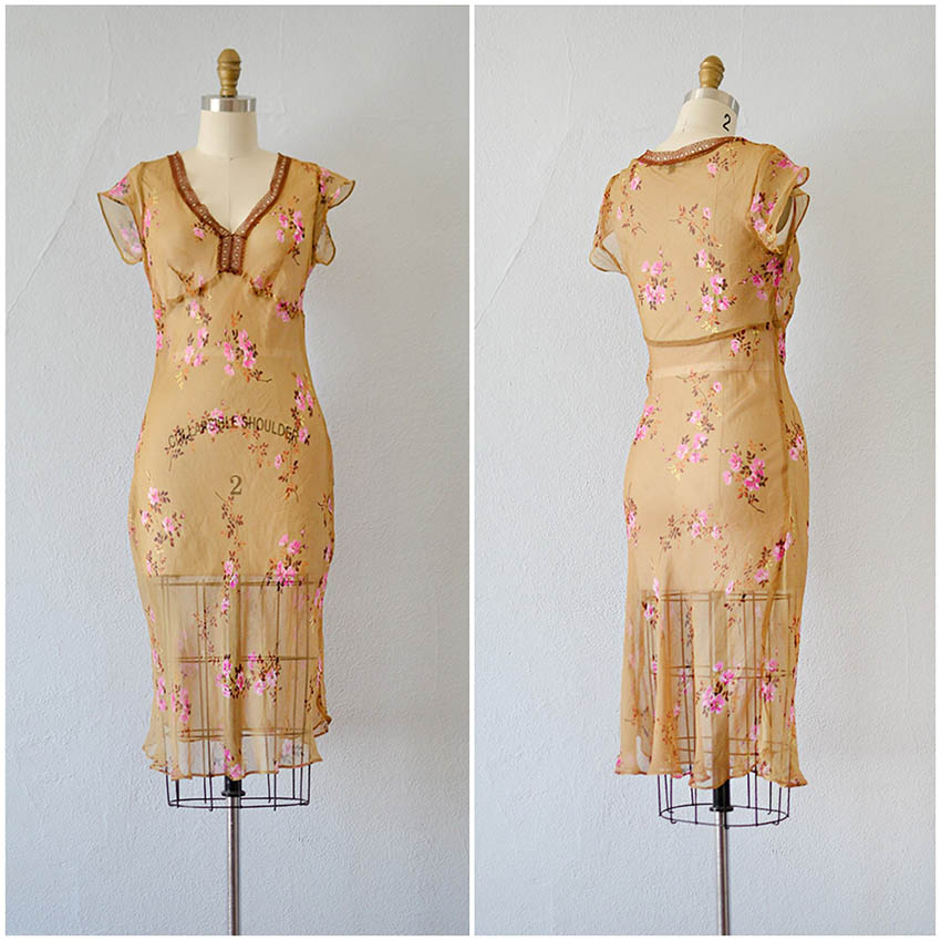 TWEET_vintage1990s30sbetseyjohnsonfloraldress