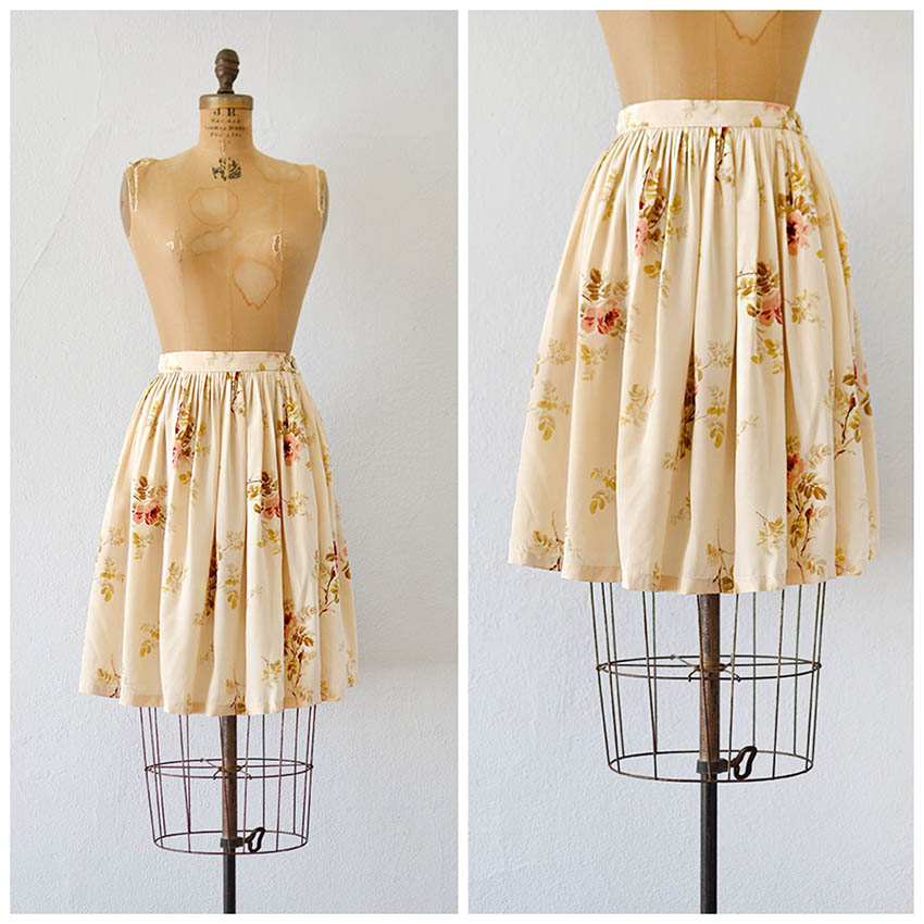 TWEET_vintage1990screamsilkroseprintskirt.jpg