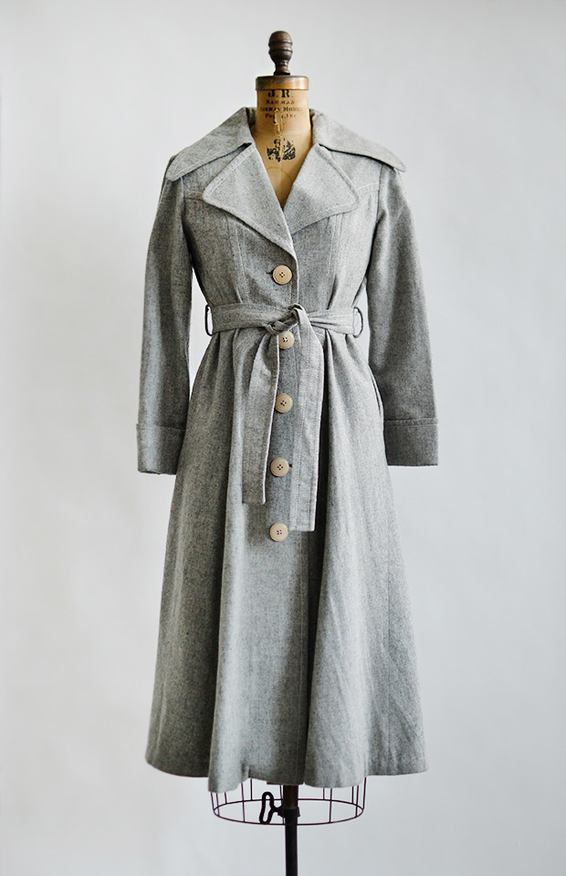 vintage1970slightgreyprincesstrenchcoat
