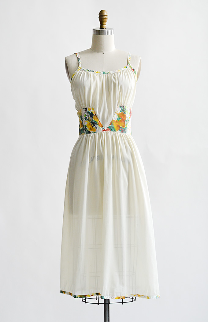 vintage1960soffwhiteslipdresswithcontrastfloral