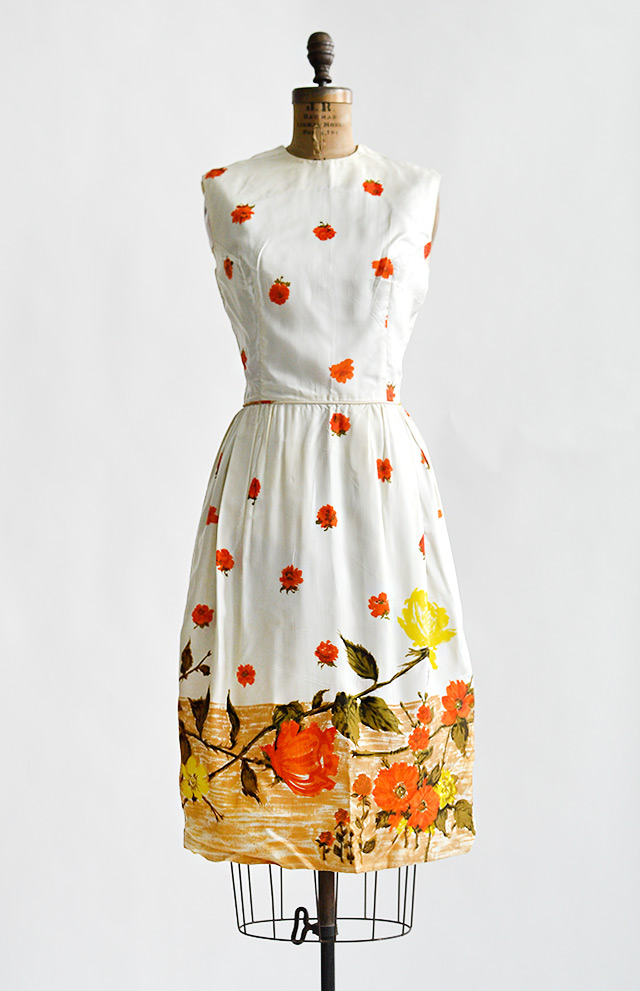 vintage1960sorangeyellowroseprintdress