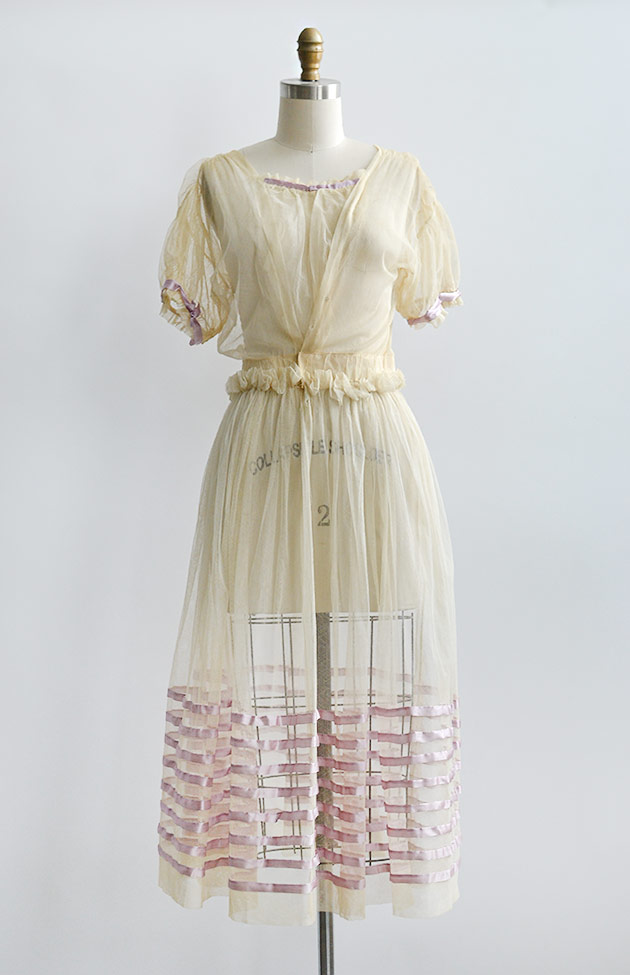 antique1910screamtullelavenderribbonsdress